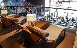 Что представляет собой бизнес-зал в аэропорту Шереметьево и кому он доступен?